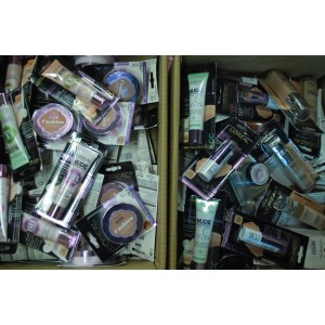 Lot de maquillage 1.50€x1200pces